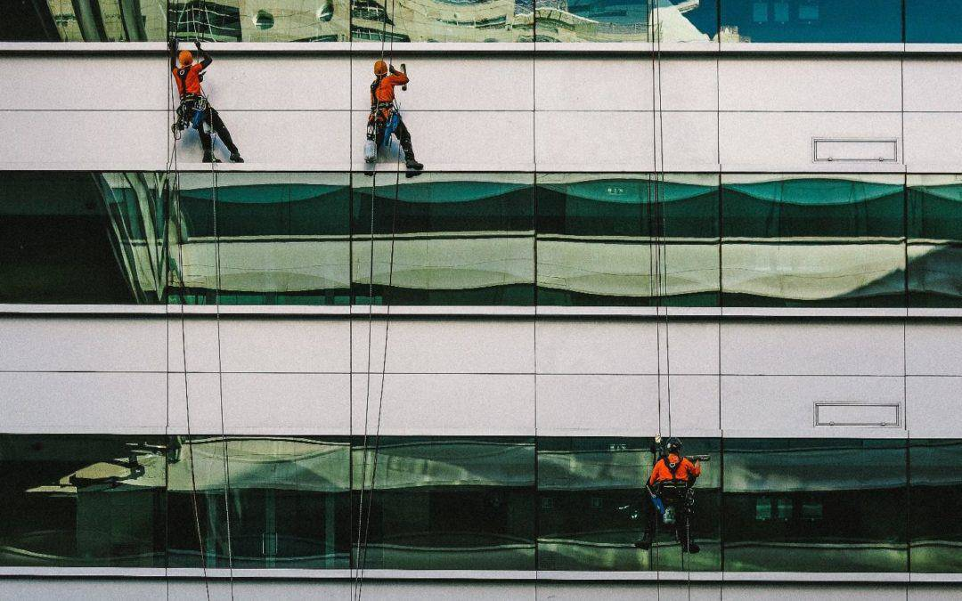 What are the Benefits of Professional Window Glass Cleaning?